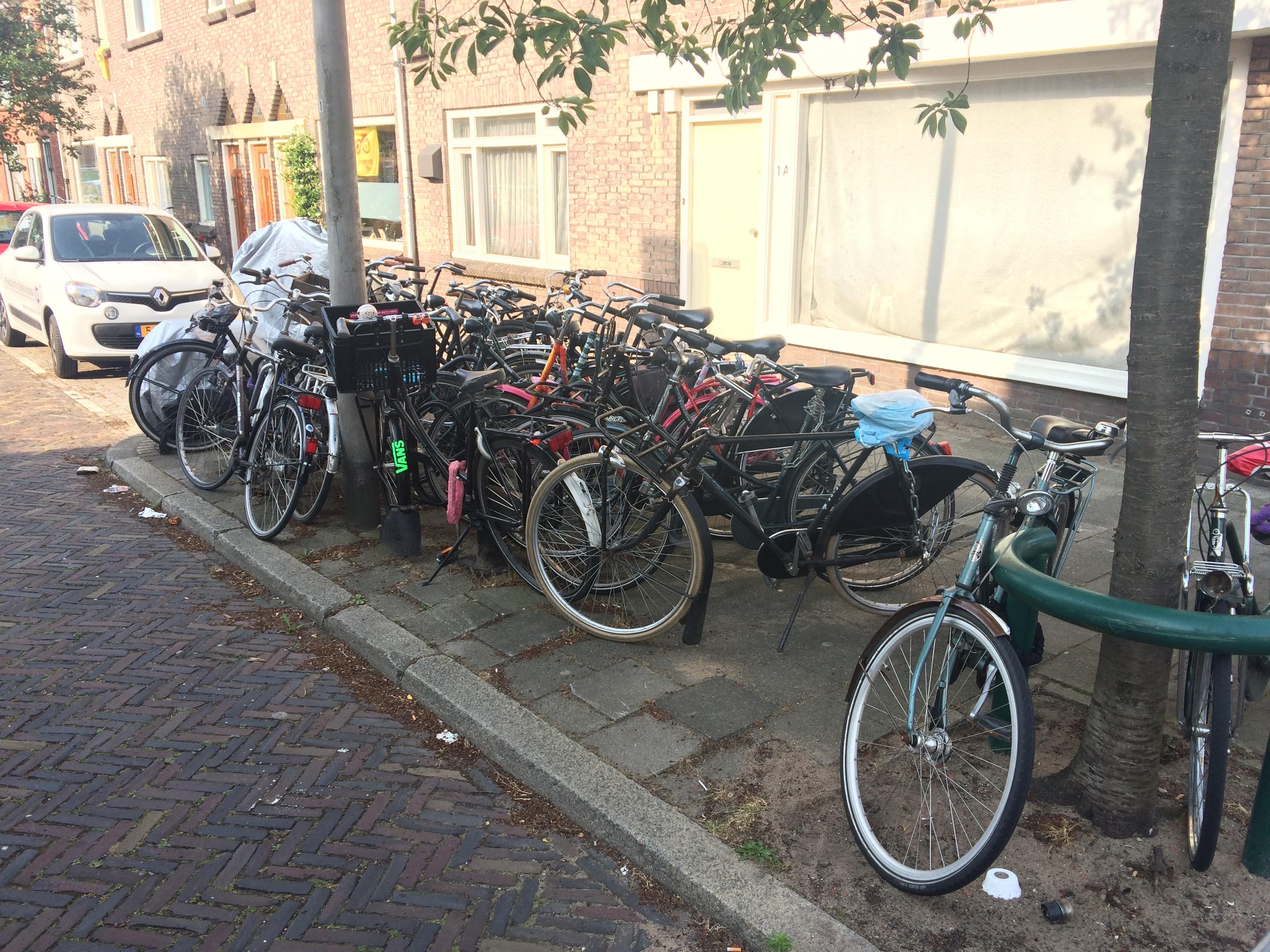 Sicherer Fahrradstellplatz am Bahnhof